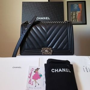 Chanel Chevron New medium calfskin bag